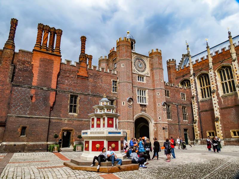 Hampton Court Palace grounds