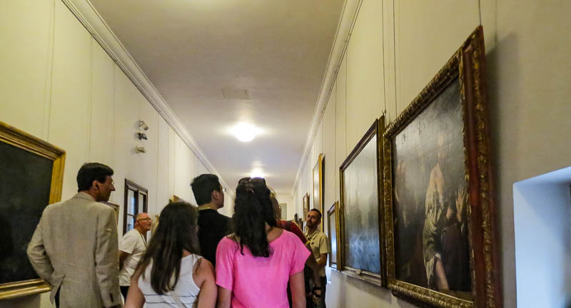 Walking along the Vasari Corridor