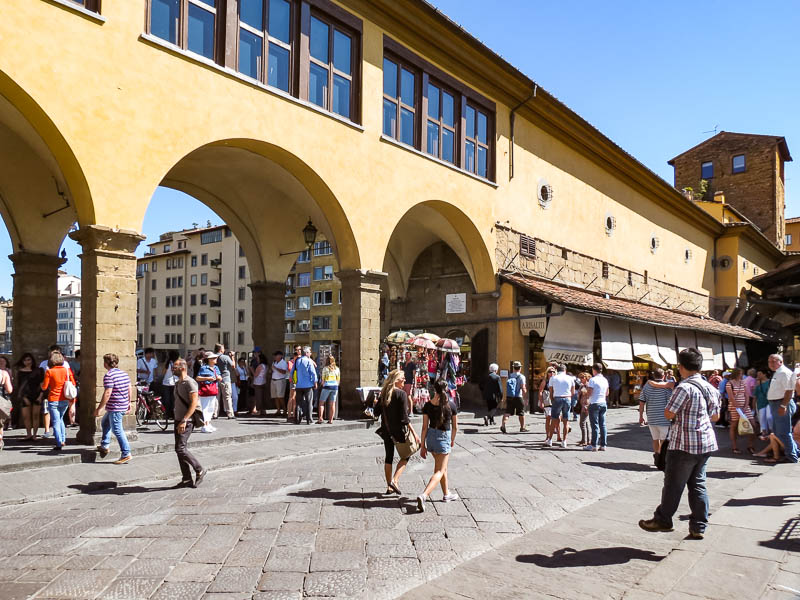 Vasari Corridor from the bridge