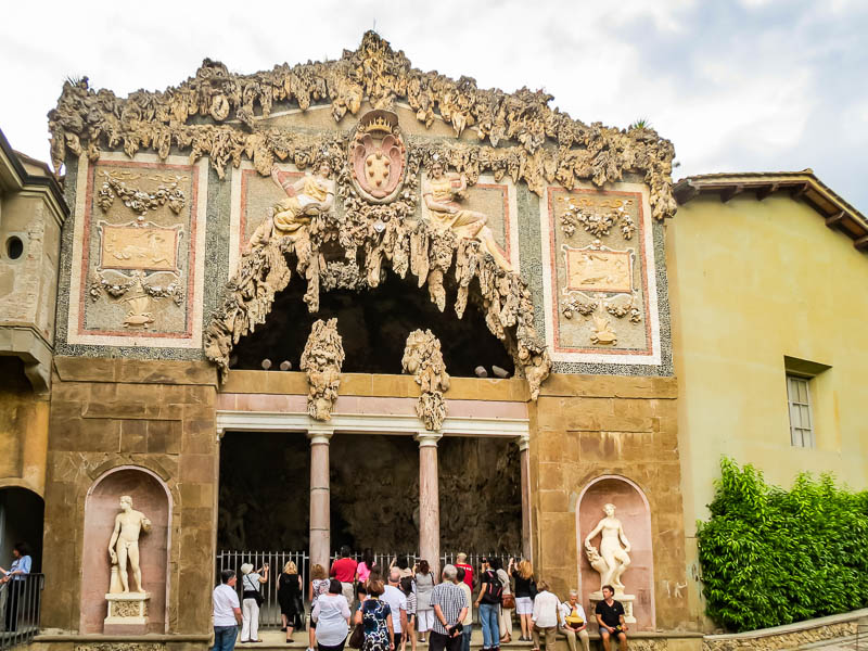 Vasari Corridor grotto