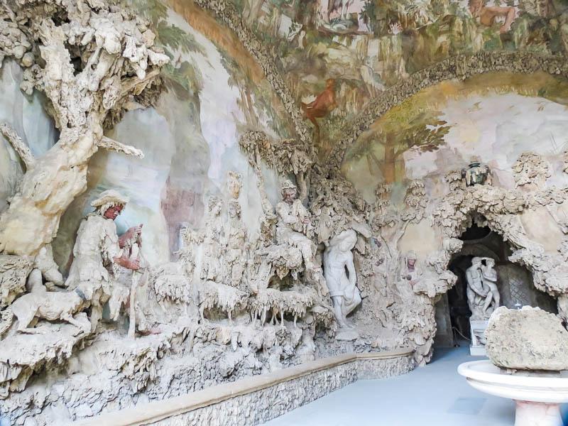 Vasari Corridor inside grottoA view of the inside of the Vasari Corridor grotto.
